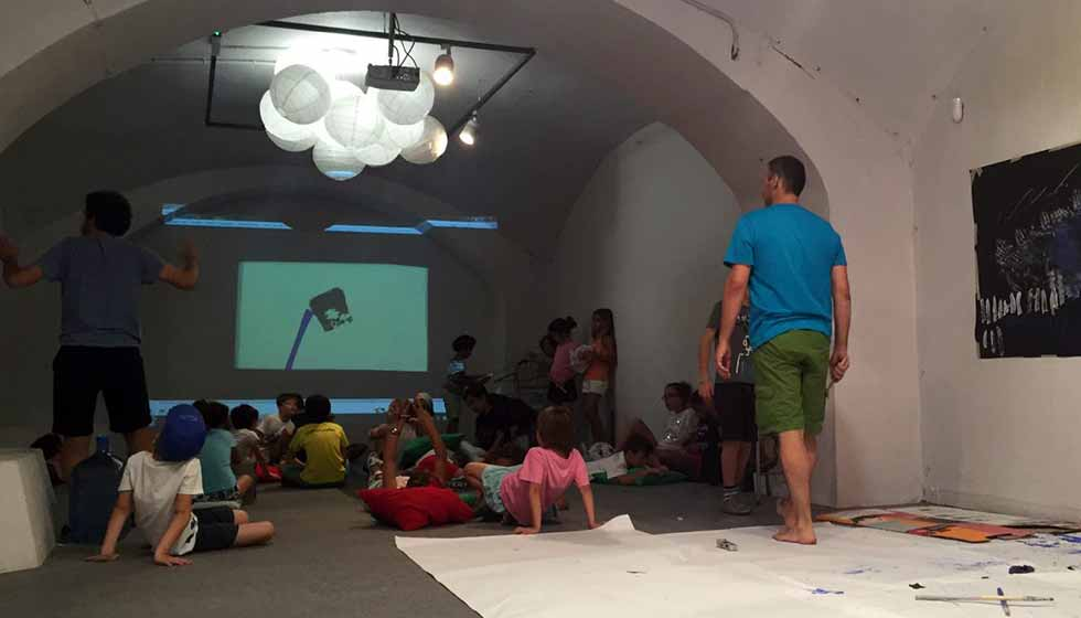 L'Alternativa Actividades - Taller familiar: Hagamos una peli con A Home in Progress Film